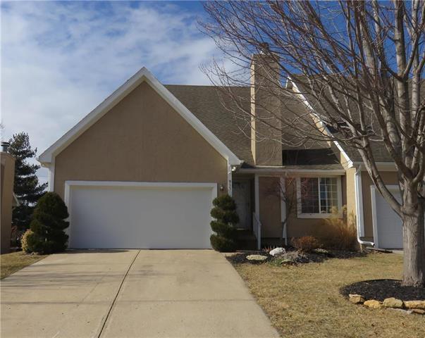 955 N Parker Terrace, Olathe, KS 66061 (#2089812) :: NestWork Homes