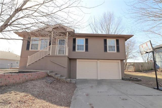 307 E 17th Street, Kearney, MO 64060 (#2089828) :: Edie Waters Team