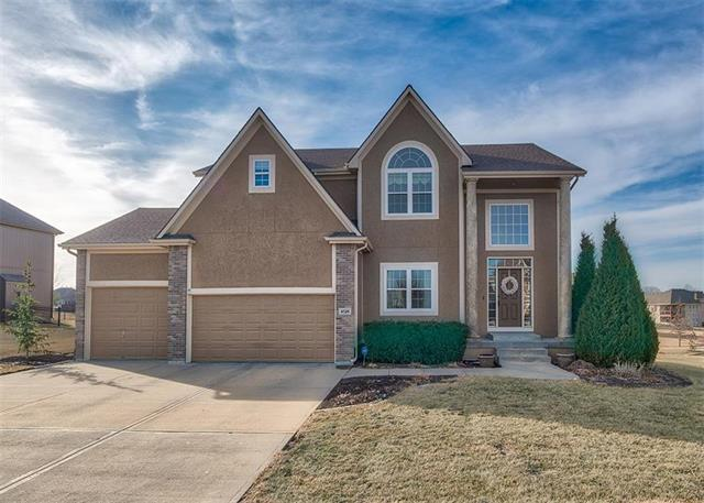 4524 SW Admiral Byrd Drive, Lee's Summit, MO 64082 (#2089853) :: The Shannon Lyon Group - Keller Williams Realty Partners