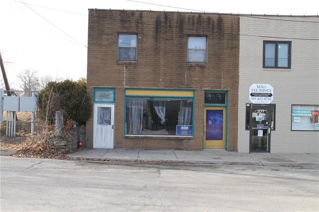 111 W 2nd Street, Bonner Springs, KS 66012 (#2089901) :: The Shannon Lyon Group - Keller Williams Realty Partners