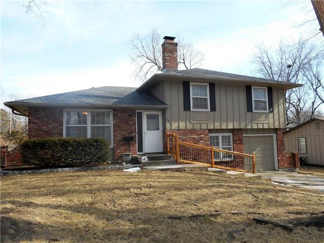 6917 Slater Street, Merriam, KS 66204 (#2089993) :: Edie Waters Team