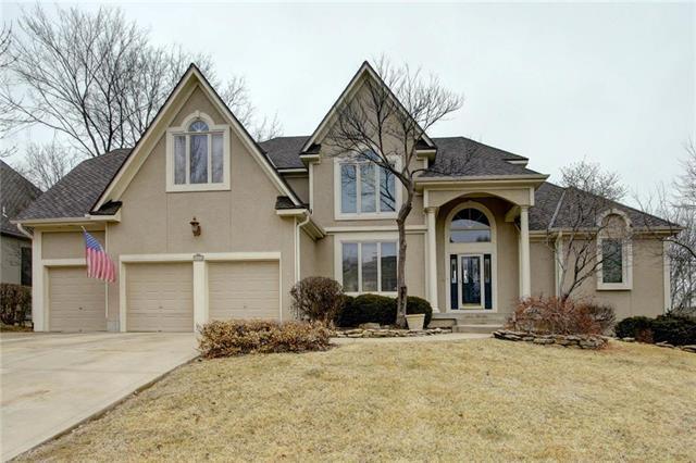 9515 Pine Street, Lenexa, KS 66220 (#2089996) :: NestWork Homes