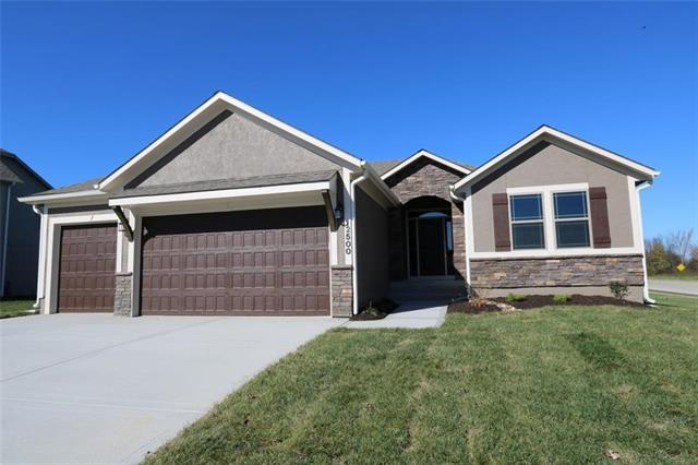 12304 Burr Oak Court, Peculiar, MO 64078 (#2090199) :: Edie Waters Team