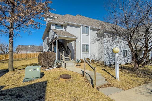 13834 W 58TH Terrace #5, Shawnee, KS 66216 (#2090252) :: HergGroup Kansas City