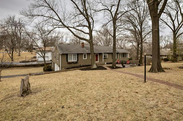 5900 NW Red Haw Lane, Platte Woods, MO 64151 (#2090265) :: Edie Waters Team