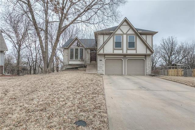 6359 Hilltop Street, Shawnee, KS 66226 (#2090270) :: NestWork Homes