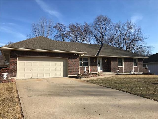 808 NW 12th Street, Blue Springs, MO 64015 (#2090279) :: NestWork Homes