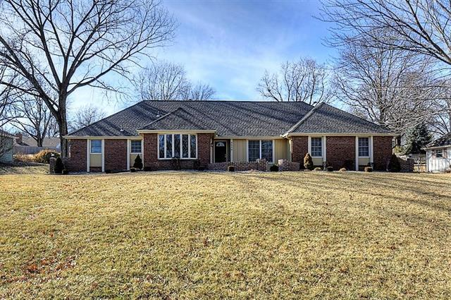 3224 Shady Bend Drive, Independence, MO 64052 (#2090286) :: Team Dunavant