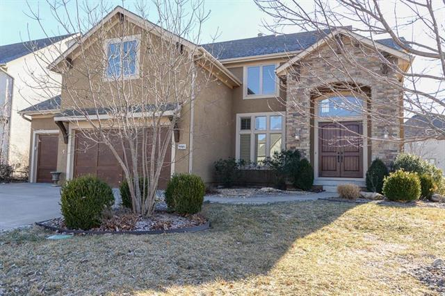 9509 W 161st Street, Overland Park, KS 66085 (#2090334) :: NestWork Homes