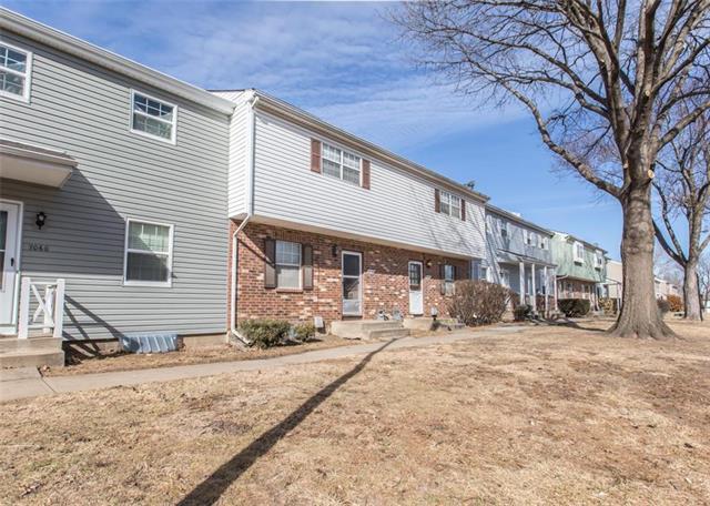 6068 E 129th Street, Grandview, MO 64030 (#2090440) :: HergGroup Kansas City