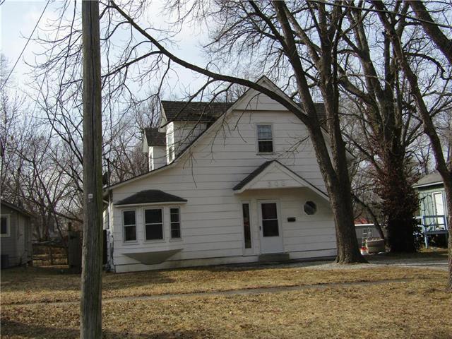 308 4th Street, Osawatomie, KS 66064 (#2090442) :: Kedish Realty Group at Keller Williams Realty