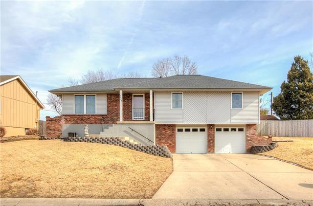 2725 S Coachman Drive, Independence, MO 64055 (#2090508) :: Team Dunavant
