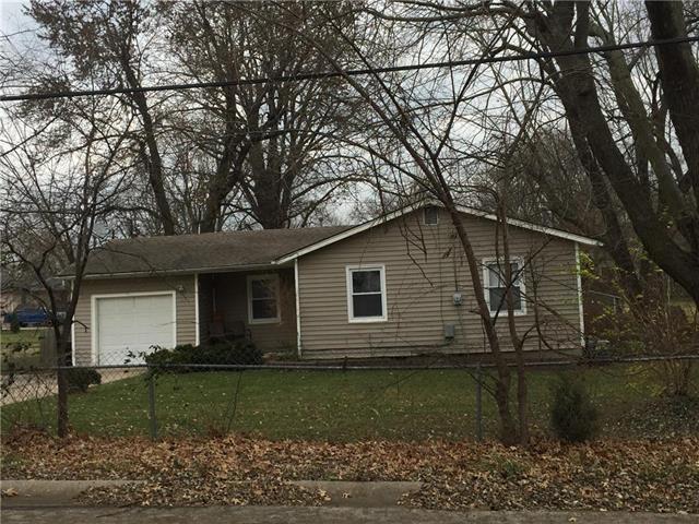 13117 Parker Avenue, Grandview, MO 64030 (#2090569) :: NestWork Homes