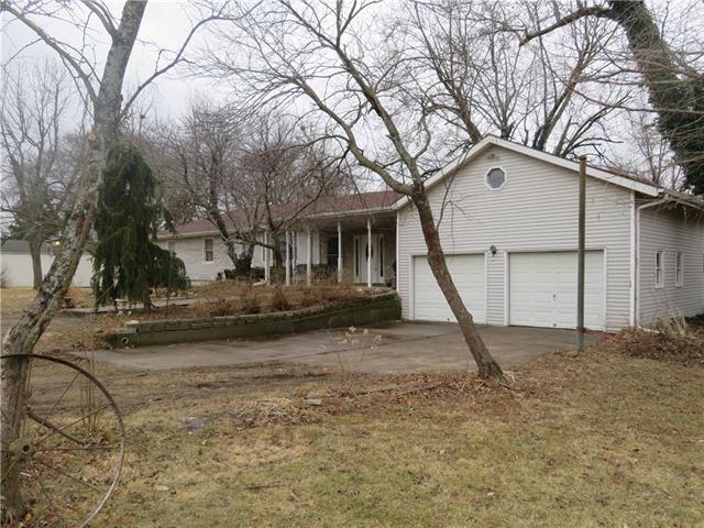 410 N Osage Street, Fontana, KS 66026 (#2090621) :: Kedish Realty Group at Keller Williams Realty