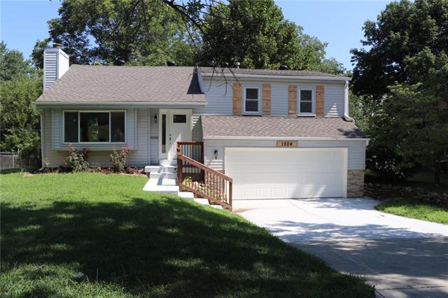 1504 W Concord Drive, Olathe, KS 66061 (#2090626) :: Team Dunavant