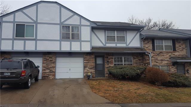 10516 E 41ST Street, Kansas City, MO 64133 (#2090630) :: Team Dunavant