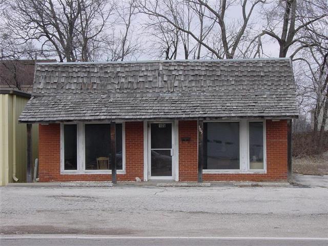 105 E Young Street, Warrensburg, MO 64093 (#2090672) :: Char MacCallum Real Estate Group
