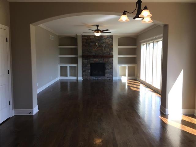 524 NW 110th Terrace, Kansas City, MO 64155 (#2090678) :: Edie Waters Team