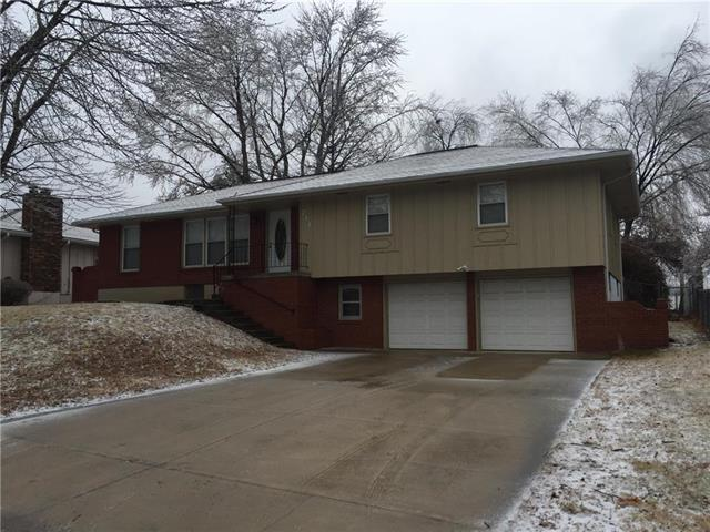 741 NW 6th Terrace, Blue Springs, MO 64014 (#2090724) :: Team Dunavant