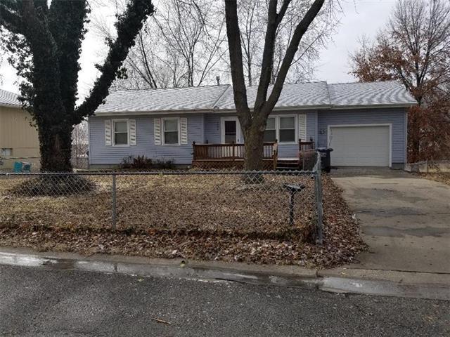 2604 Cherokee Road, Harrisonville, MO 64701 (#2090808) :: Edie Waters Team