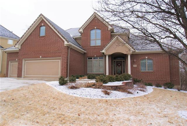 8127 Clearwater Drive, Parkville, MO 64152 (#2090845) :: Tradition Home Group