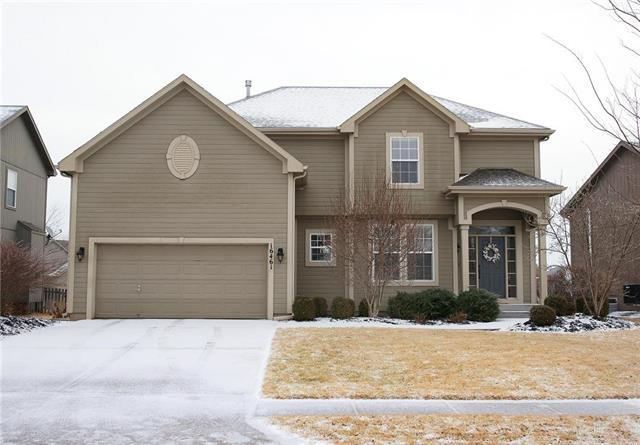16461 S Lawson Street, Olathe, KS 66062 (#2090871) :: Edie Waters Team