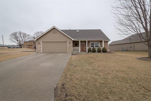 1512 Acorn Street, Eudora, KS 66025 (#2090892) :: HergGroup Kansas City