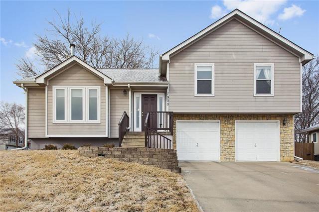 7900 N Ames Avenue, Kansas City, MO 64151 (#2090948) :: Edie Waters Team