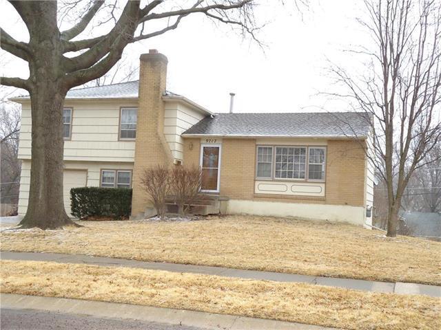 9717 Eby Street, Overland Park, KS 66212 (#2091001) :: The Shannon Lyon Group - Keller Williams Realty Partners
