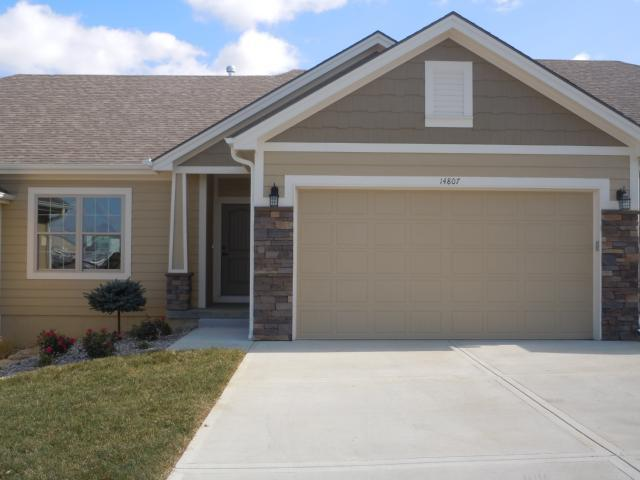 203 Ashmont Drive, Smithville, MO 64089 (#2091155) :: Edie Waters Team