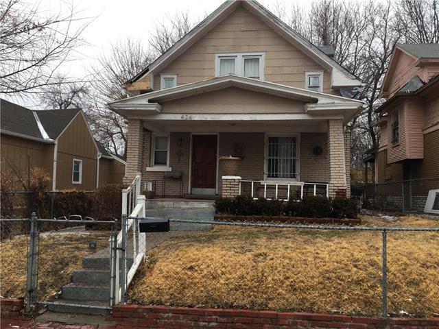 424 Greeley Avenue, Kansas City, KS 66101 (#2091398) :: Edie Waters Team