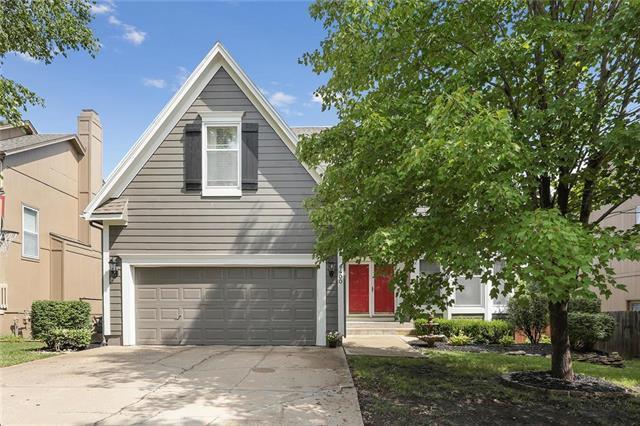 6400 W 149th Terrace, Overland Park, KS 66223 (#2091412) :: Edie Waters Team
