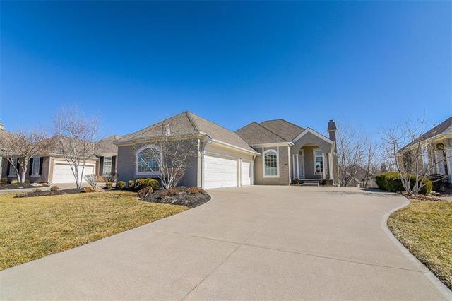 11781 S Hallet Street, Olathe, KS 66062 (#2091415) :: Edie Waters Team