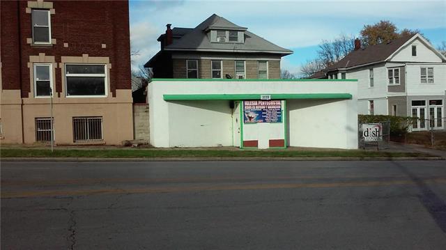 3220 Independence Avenue, Kansas City, MO 64124 (#2091431) :: Edie Waters Team