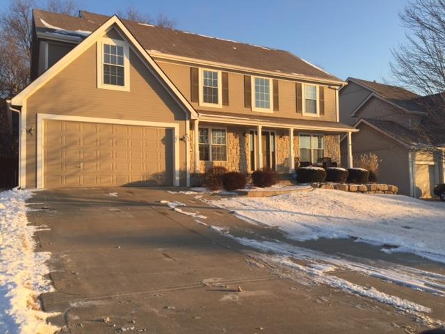 408 Wyndham Drive, Lansing, KS 66043 (#2091456) :: Edie Waters Team