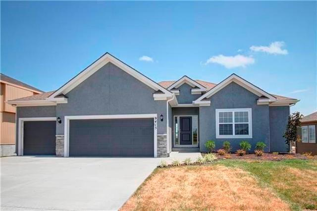 7280 NW Forest Lakes Drive, Parkville, MO 64152 (#2091507) :: Edie Waters Team