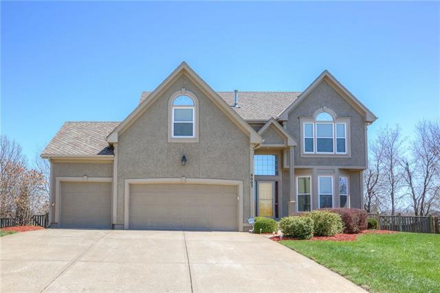 8003 W 146th Terrace, Overland Park, KS 66223 (#2091625) :: Char MacCallum Real Estate Group