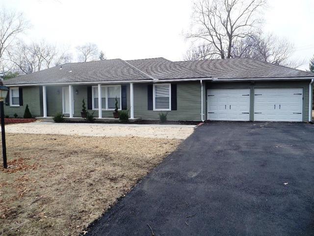1007 Tam-O-Shanter Drive, Kansas City, MO 64145 (#2091991) :: Edie Waters Network