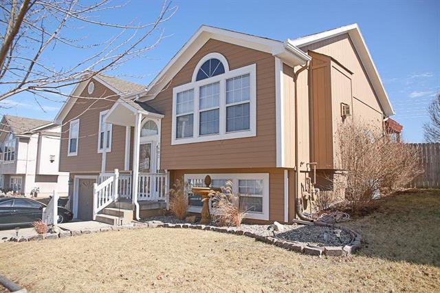 1403 16th Avenue, Greenwood, MO 64034 (#2092003) :: Edie Waters Team