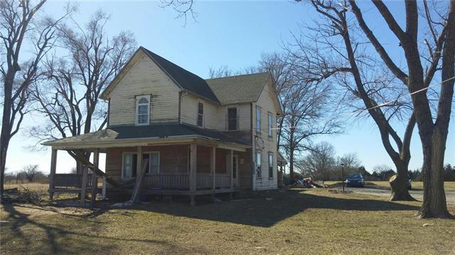 1901 Laurel Street, Pleasanton, KS 66075 (#2092399) :: Edie Waters Network