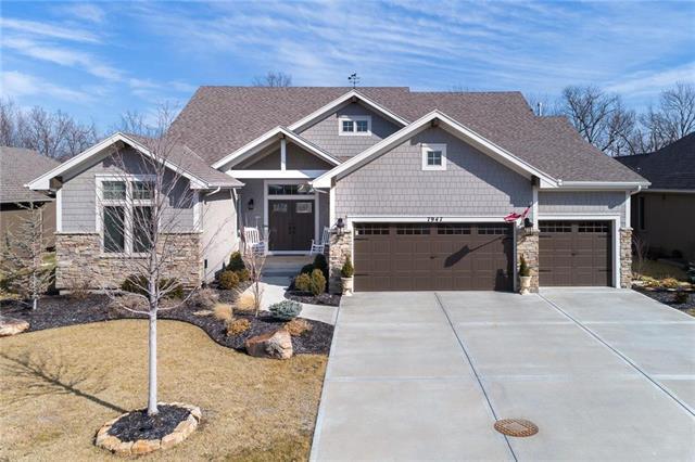7947 Belford Street, Shawnee, KS 66220 (#2092409) :: Edie Waters Team