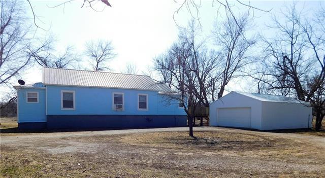 3790 Nebraska Drive, Ottawa, KS 66067 (#2092512) :: Edie Waters Team