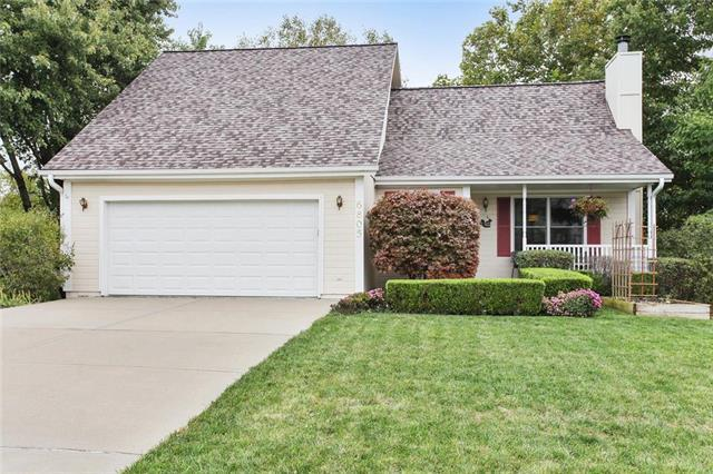 6805 N Crystal Avenue, Kansas City, MO 64119 (#2093162) :: Tradition Home Group