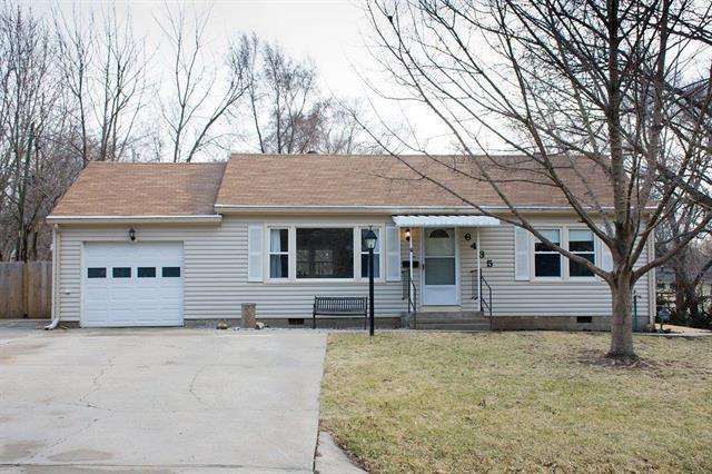 6435 Melrose Lane, Shawnee, KS 66203 (#2093192) :: Edie Waters Team