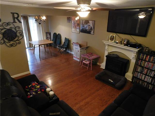 2904 NW Chelsea Place, Blue Springs, MO 64015 (#2093216) :: Edie Waters Team