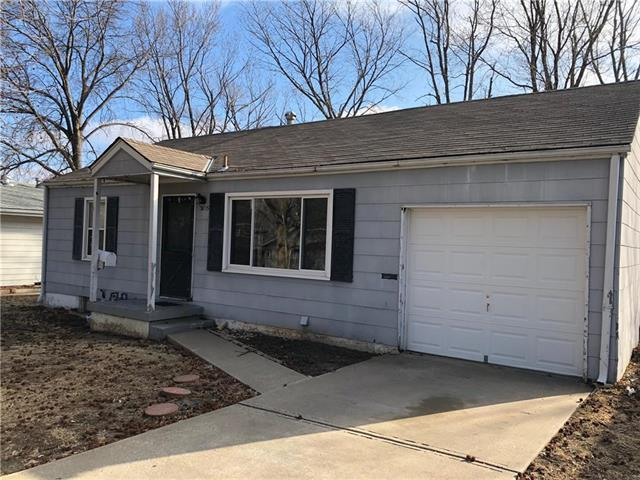 3015 S Claremont Avenue, Independence, MO 64052 (#2093247) :: Edie Waters Team