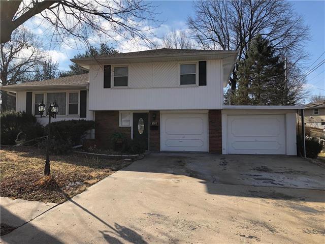 1707 N Pleasant Street, Independence, MO 64050 (#2093371) :: Edie Waters Team