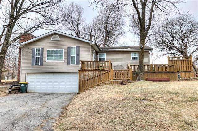 12720 W 55th Terrace, Shawnee, KS 66216 (#2093519) :: Edie Waters Team