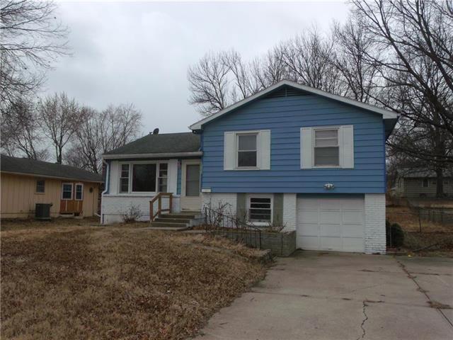 13630 Craig Avenue, Grandview, MO 64030 (#2093542) :: Edie Waters Team