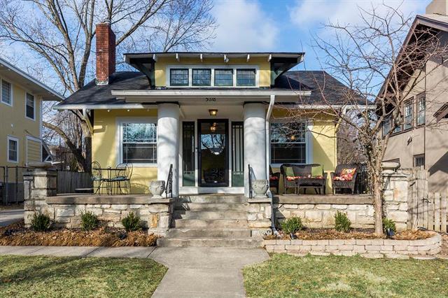 5718 Central Street, Kansas City, MO 64113 (#2093572) :: Edie Waters Team
